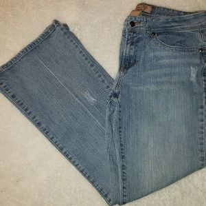 4/$25 Candies distressed boot cut size 13 jean